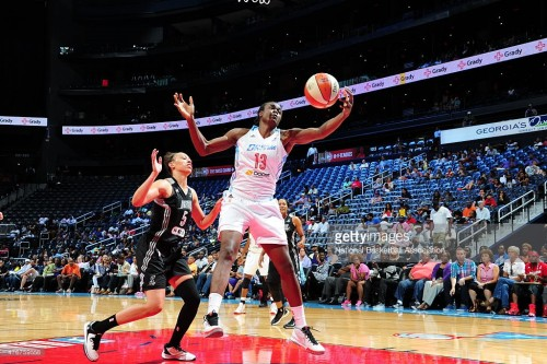 WNBA_2015_Aneika HENRY (Atlanta) vs. San Antonio_Getty Images_Scott CUNNINGHAM