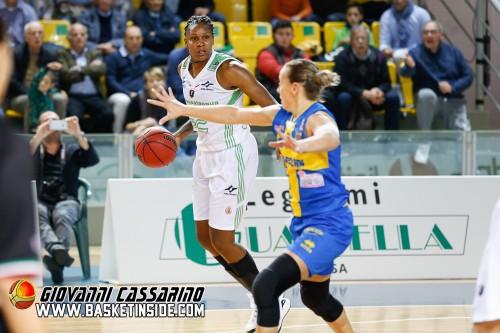Italie_2015-2016_Rebekkah BRUNSON (Raguse) vs. Parme_Giovanni CASSARINO