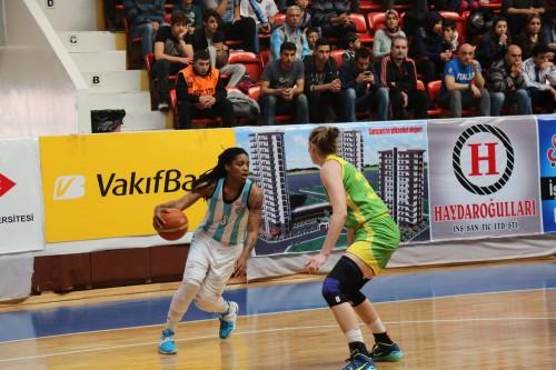 Turquie_2015-2016_Shavonte ZELLOUS (Adana ASKI) vs. U. Istanbul_Adana ASKI