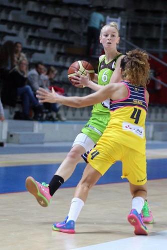 LFB_2015-2016_Claire STIEVENARD (Hainaut Basket) @Calais_Alain CUGIER