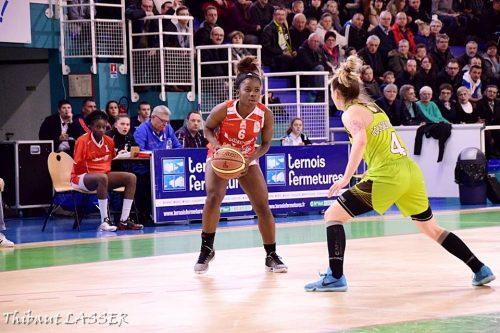 LFB_2015-2016_Esther NIAMKE (Lyon) @Hainaut Basket_Thibaut LASSER