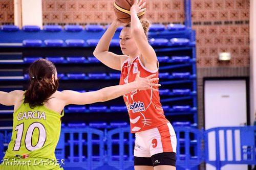 LFB_2015-2016_Mélanie PLUST (Lyon) @Hainaut Basket_Thibaut LASSER
