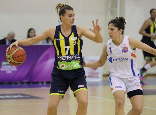 Turquie_2015-2016_Birsel VARDARLI-DEMIRMEN (Fenerbahçe) vs. Gelistirenler_jwsbasketball.org