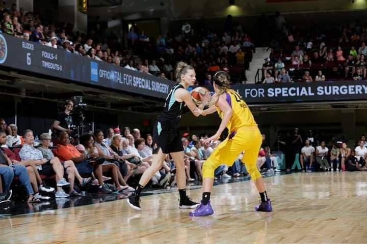 WNBA : Marine JOHANNES retournera chez les Liberty, Carolyn SWORDS s'arrête