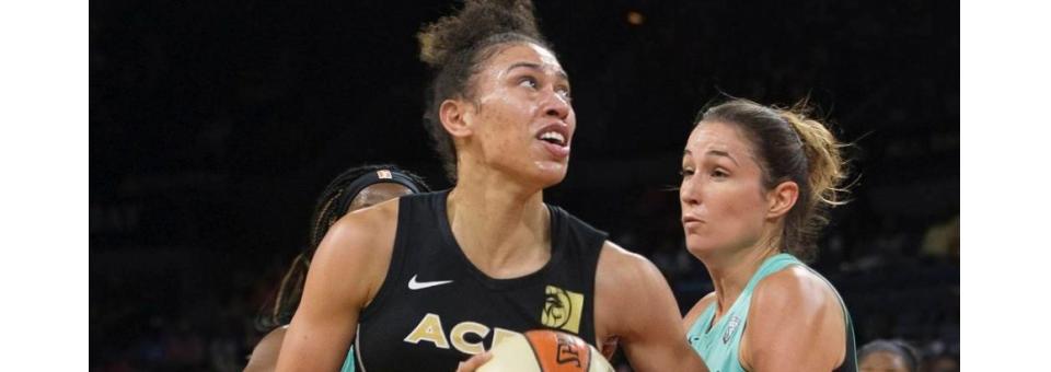 WNBA : Dearica HAMBY (Las Vegas) nommée Meilleure 6ème Joueuse de l'Année, Briana HARTLEY (Phoenix) sur le podium